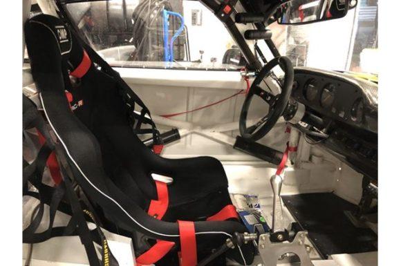Apple 935 cockpit