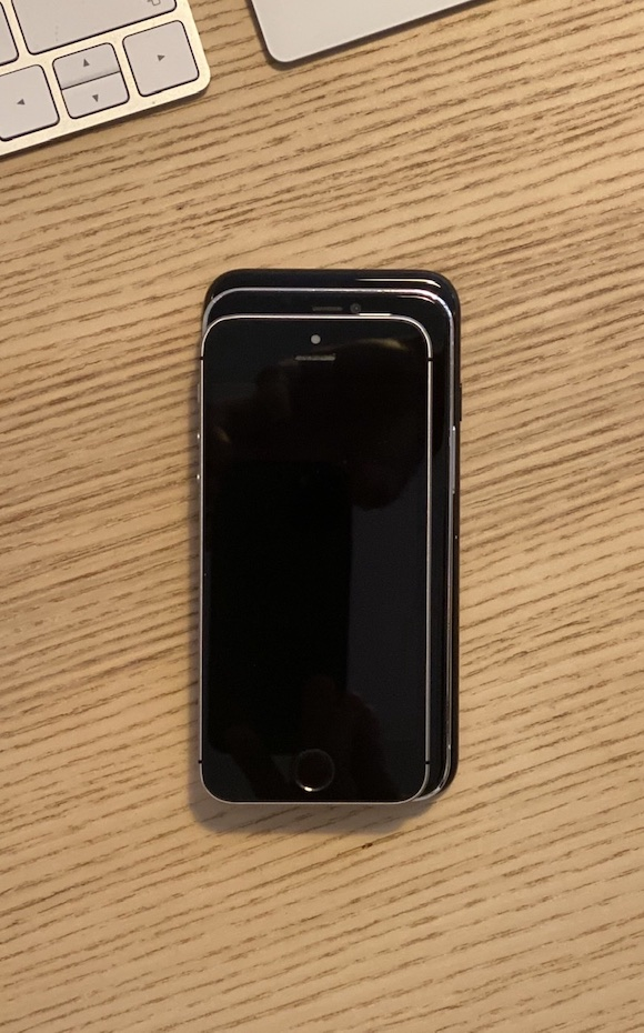 iPhone12 vs 1st gen SE_04