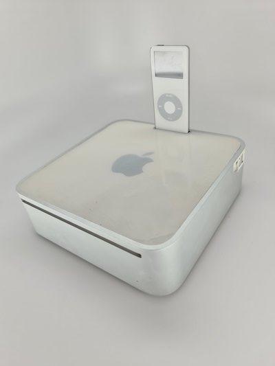 Mac mini with dock port