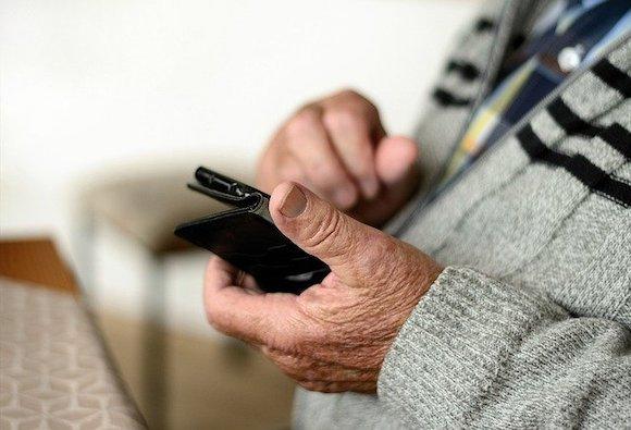 スマートフォン シニア 高齢者