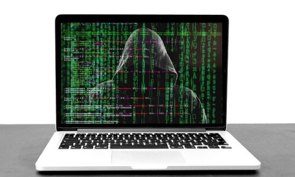 hacker-5332676_640