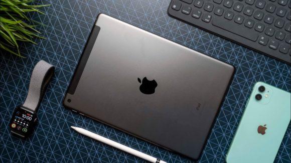 102iPad and Apple Watch