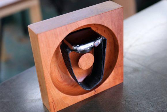 松葉製作所の高級木材を使用したApple Watch専用充電台-3