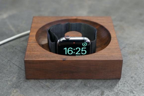 松葉製作所の高級木材を使用したApple Watch専用充電台-2