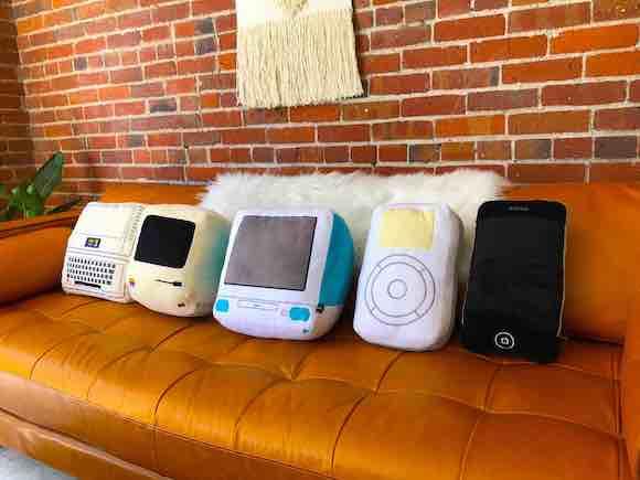 Apple Iconic Pillow_03