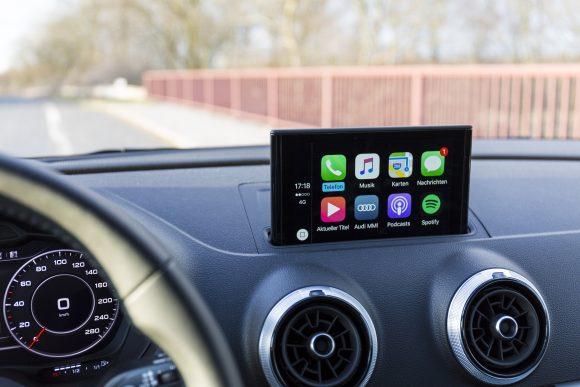CarPlayを搭載したダッシュボードの画像