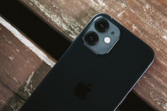 iPhone12のカメラ部分